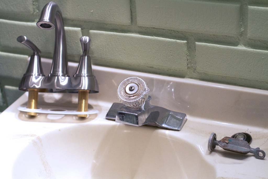 replacement-faucet-installation